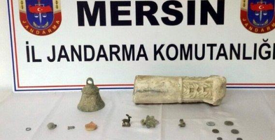 Mersin'de bir Evde Çok Sayıda Tarihi Eser Ele Geçirildi