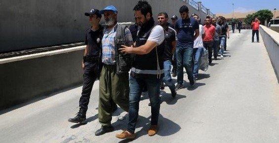 Mersin'de 'Çete' Operasyonu: 11 Gözaltı