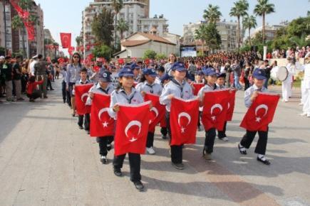 Mersin'de Cumhuriyet Bayramı Coşkuyla Kutlandı