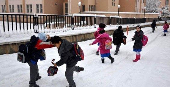 Mersin'de Eğitime Kar Engeli Nedeni İle Tatil
