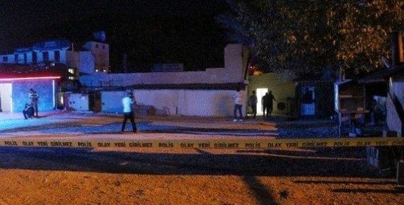 Mersin'de Eğlence Mekanından Zorla Kadın Çıkartmak İsteyen Şahıs İşletme Sahibini Öldürdü.