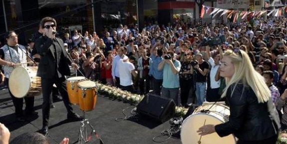 """Mersin'de Engelsiz Sanat Festivalinde """"Yılmaz Morgül"""" Coşkusu"""