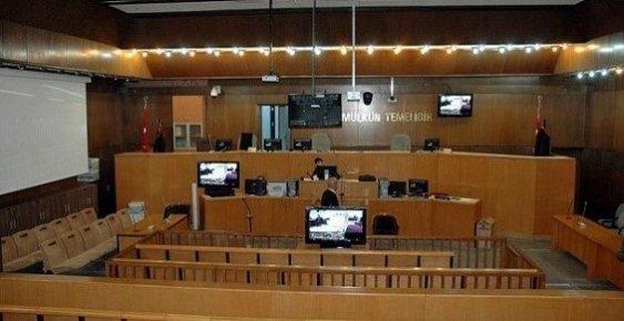 Mersin'de Fethullahçı 70 Kişinin Yargılandığı Mahkeme Basına Kapatıldı.