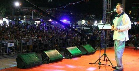 Ahmet Özhan, Mersin'de Ramazan Etkinliklerinde Konser Verdi
