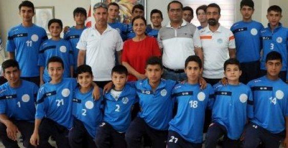 Mersin'de Gençlerde Fotbolda Başarının Adı Akdeniz