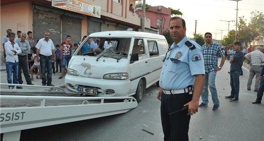 Mersin'de Hafif Ticari Aracın Çarptığı Çocuk Öldü
