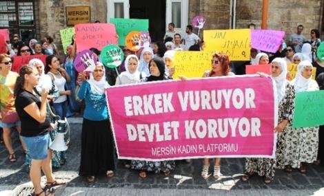 Mersin'de 'Kadına Şiddet' Kınandı