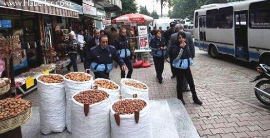 Mersin'de Kaldırımı İşgal Eden Esnafa Ceza Yağdı