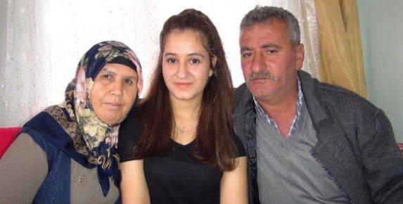 Mersin'de Karnı Guruldayan Genç Kız Hayata Küstü