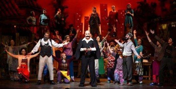 Mersin'de 'Keşanli Ali Destanı'nın Müzikal Versiyonunu Mersinlileri Büyüledi
