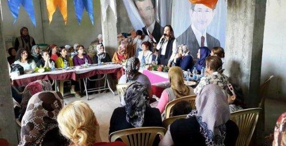 Mersin'de MHP'den Ayrılan 25 Kişi AK Parti'ye Geçti