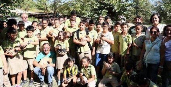 Mersin'de Minikler, Hayvan Barınağını Ziyaret Etti