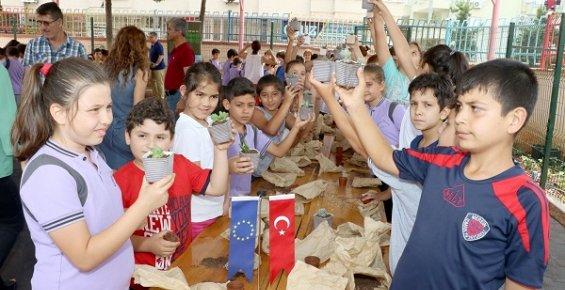 Mersin'de Miniklere Çevre Sevgisi Aşılandı.