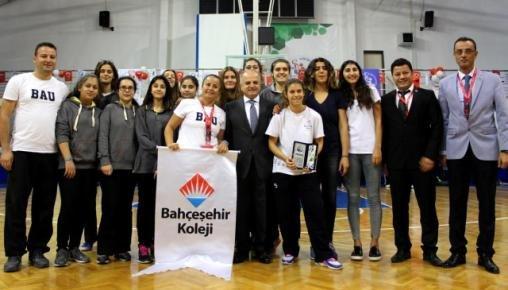 Mersin'de Okul Sporları Ödül Töreni