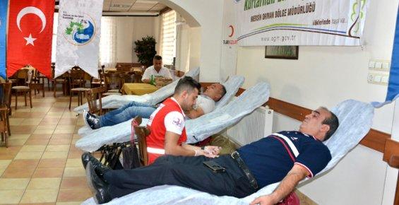 Mersin'de Ormancılardan Kan Bağışı