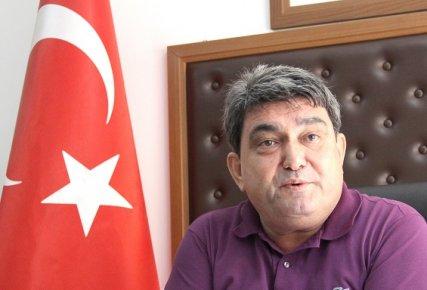Mersin'de Prof. Karatay'a Domates Tepkisi Büyüyor
