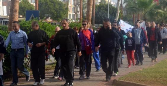 Mersin'de Sağlık İçin Yürüyüşler Sürüyor