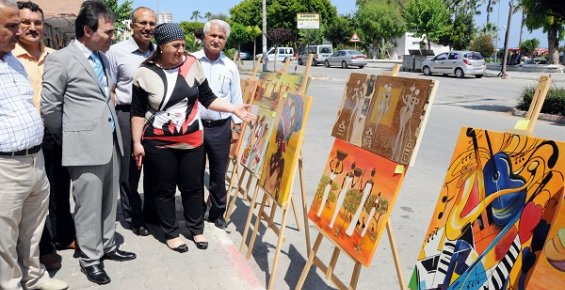 Mersin'de Sanat Sokağa Taştı.