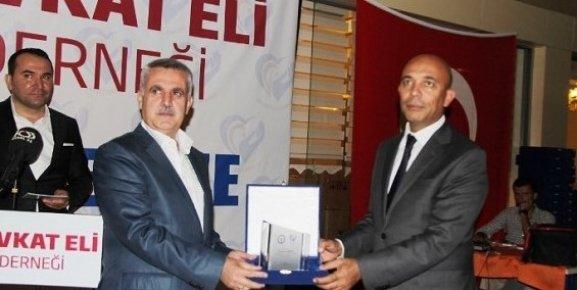 Mersin'de Şefkat Eli Derneği 12 bin 898 Aileye Ulaştı