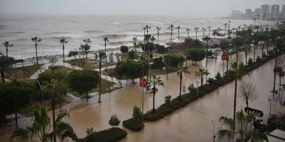 Mersin'de Sel Sonrası Dere Yataklarındaki Evlere Dikkat