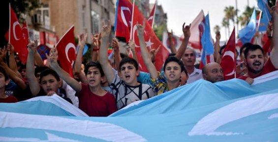 Mersin'de Sincan Bölgesi'ndeki Uygulamalara Protesto Eylemi