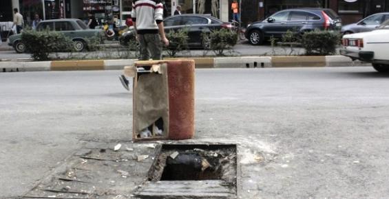 Mersin'de Sokak Ortasında Faciaya Davet