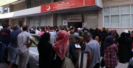Mersin'de Suriyeliler Kimlik İçin Yoğunluk Oluşturdu