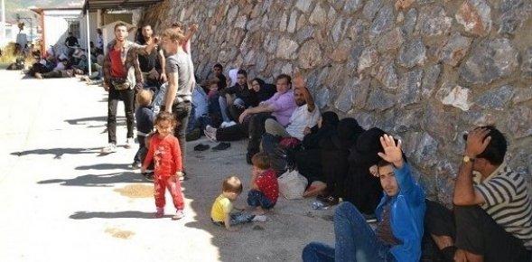 Mersin'de Tekneyle Yurt dışına Kaçmaya çalışan 114 Suriyeli Yakalandı