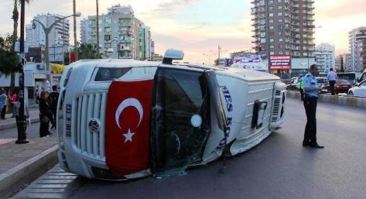 Mersin'de Trafik Kazasında 10 Kişi Yaralandı