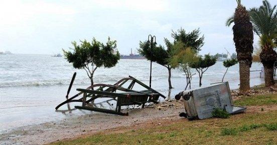Mersin'de Yağmur ve Fırtına Uyarısı