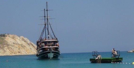 Mersin'de Yat Turları Belçika ve Rus Turistler ile Başladı