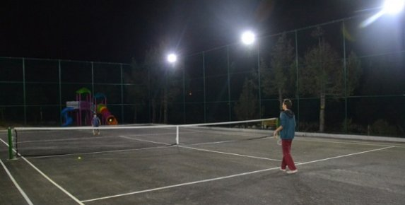 Mersin'de Yaylada Tenis Keyfi
