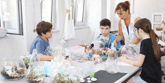Mersin'de 'Yıldızlar Sanayide Projesi ile Gençler Üretiyor