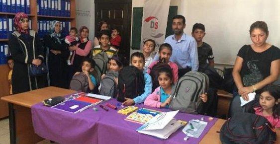 Mersin'de Yükümlülerin Çocuklarına Kırtasiye Yardımı