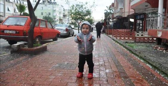 Mersin'e Yıllar Sonra Kar Yağdı
