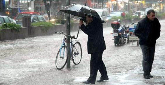 Mersin'i Yağış ve Kuvvetli Rüzgar Bekliyor