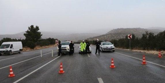 Mersin'in Yükseklerine Kar Yağışı Sertavul Geçidi Ulaşıma Kapadı
