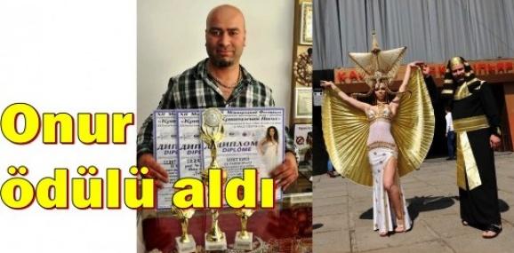 Mersinli Kuaföre Kiev'de Onur Ödülü