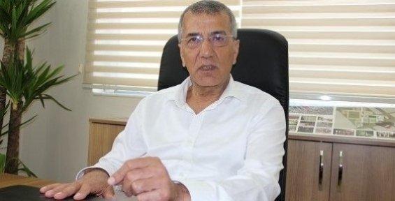Mezitli Belediye Başkanı Neşet Tarhan'ı Kendi Partili Meclis Üyeleri Protesto Etti.