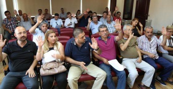 Mezitli Belediyesinde Taşeron İşçilere Bayram İkramiyesi