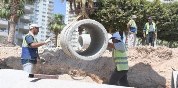 Mezitli Sahil Bandı Yenileme Projesi'nin Yüzde 65'i Tamamlandı