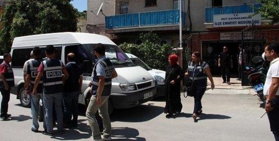Mut'ta FETÖ Operasyonunda Gözaltına Alınan 5 kişiden 3'ü Tutuklandı.