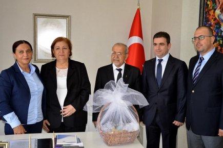 Ortodoks Kilisesi Ruhani Liderleri Akdeniz Belediyesi Eş Başkanı Yüksel Mutlu'yu Ziyaret Etti.