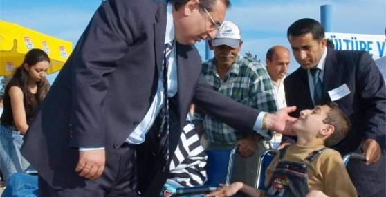 Özcan'dan Engelliler Günü Mesajı
