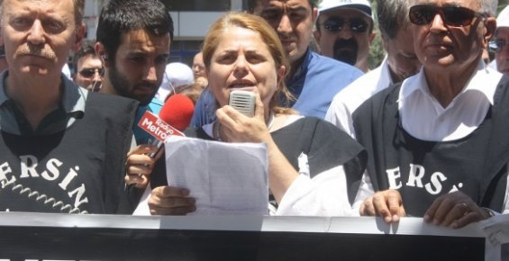 Sağlıkçılar Doktor Furtun İçin AKP'ye Yürüdü