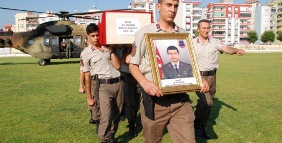 Şehit Ali Gülnar'ın Naaşı Askeri Helikopterle Silifke'ye Getirildi