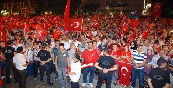 Silifke 20 bin Kişiyle Demokrasi Yürüyüşüne Katıldı