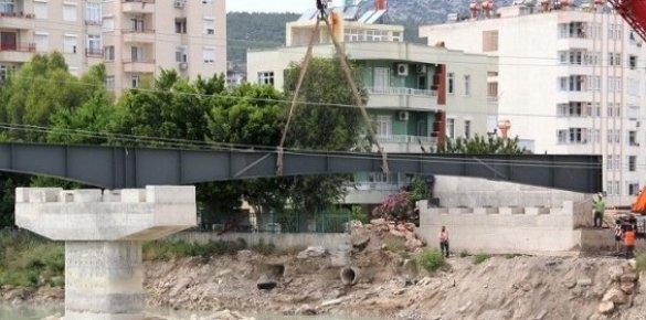 Silifke'de 4. Köprünün Çelik Kirişleri Konuldu