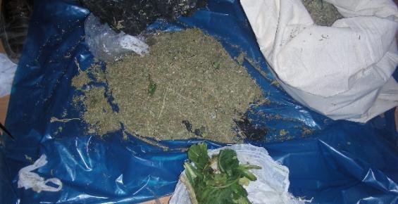 Silifke'de 8 Kilogram Paketlenmiş Esrar Ele Geçirildi