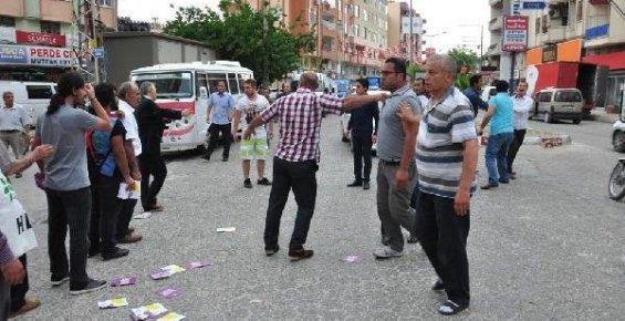 Silifke'de Karşıt Görüşlü İki Grup Kavga Etti: 1 Yaralı